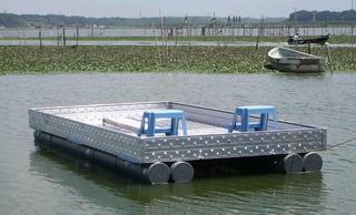 アルミ製テラスボートの全景